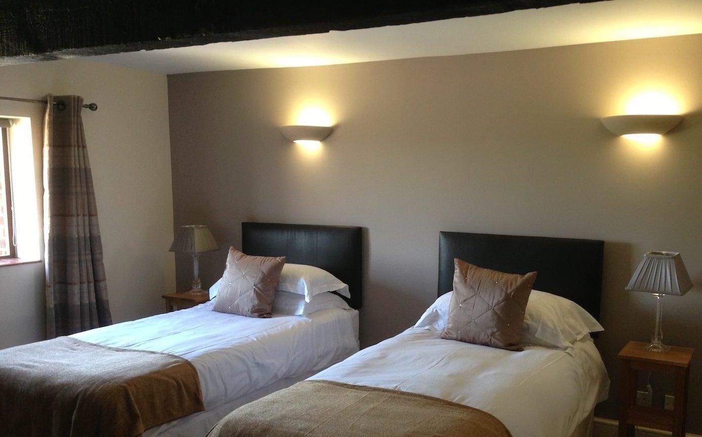 Sussex Retreat Twin Bedroom West Sussex Platinum Healing